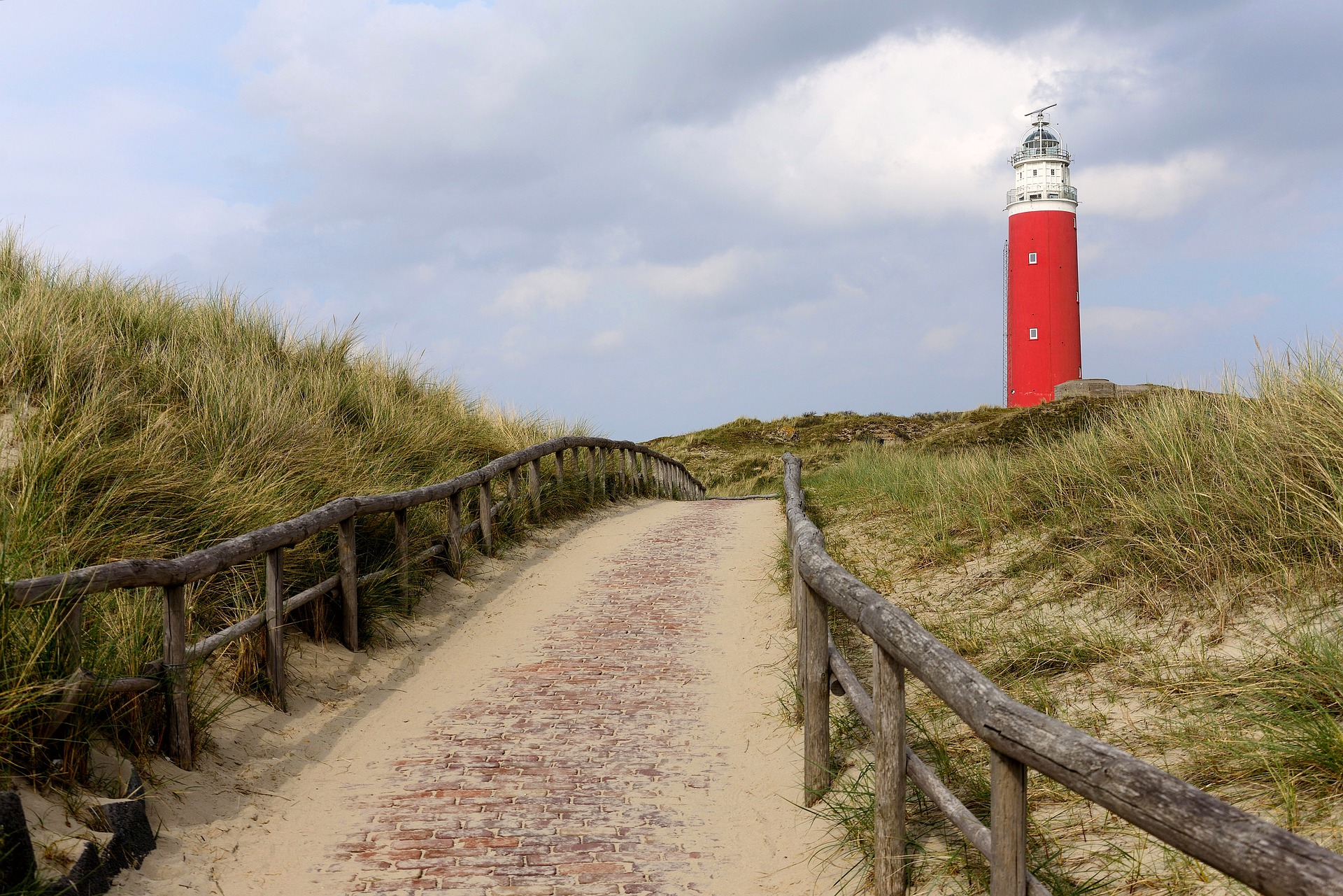 lighthouse-4752594_1920